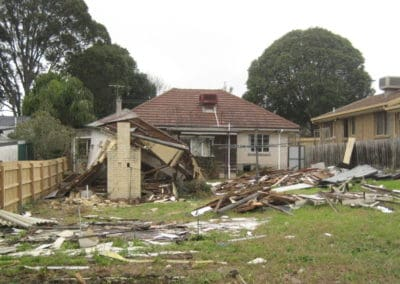 demolition of a house in Frankston, that had to be stopped by worksafe Victoria